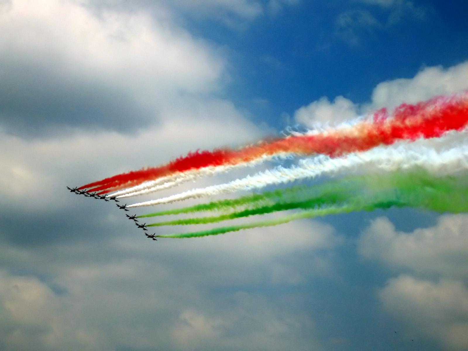 63.mo anniversario della Repubblica Italiana : tagiati i costi a favore dell'Abruzzo