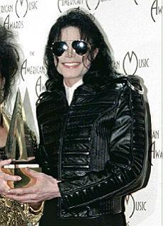Michael Jackson é morto. Forse é stato colpito da un infarto