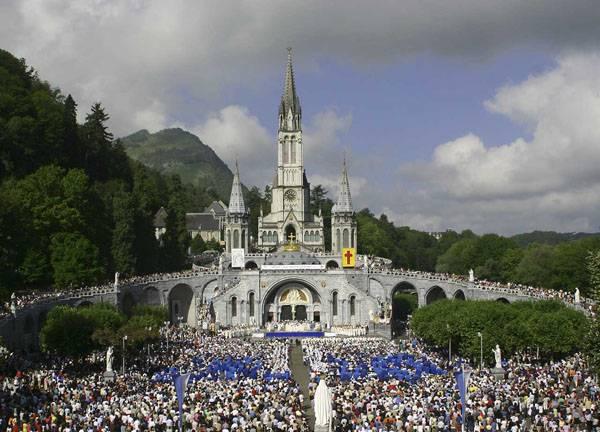Uomo diventa invalido a Lourdes