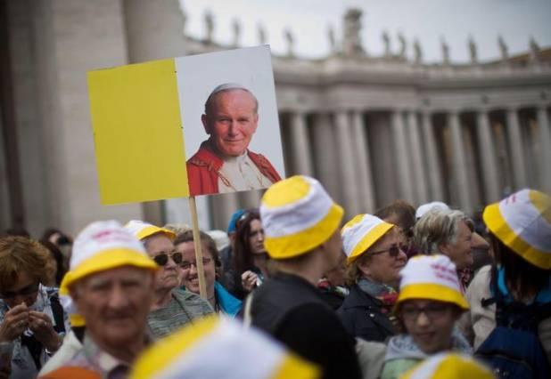 Canonizzazione Roncalli-Wojtyla. Ratzinger ci sarà