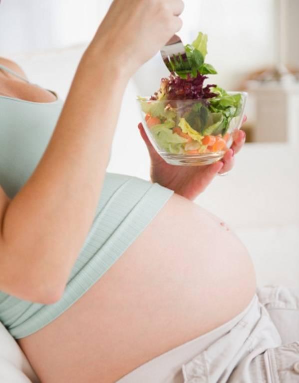 Alimentazione in gravidanza, 10 consigli su cosa mangiare