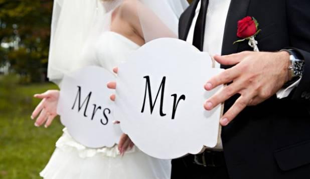 Matrimonio e crisi: nella lista nozze compare l'IBAN