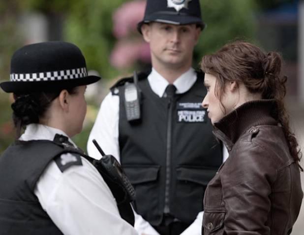 La polizia britannica contro lo stupro nei confronti delle donne
