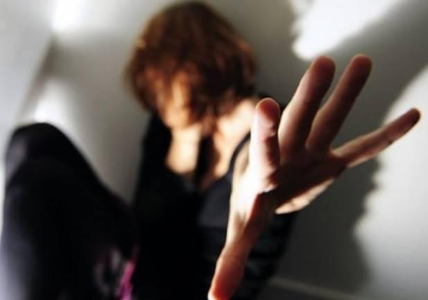 14enne madre dopo violenza del cognato