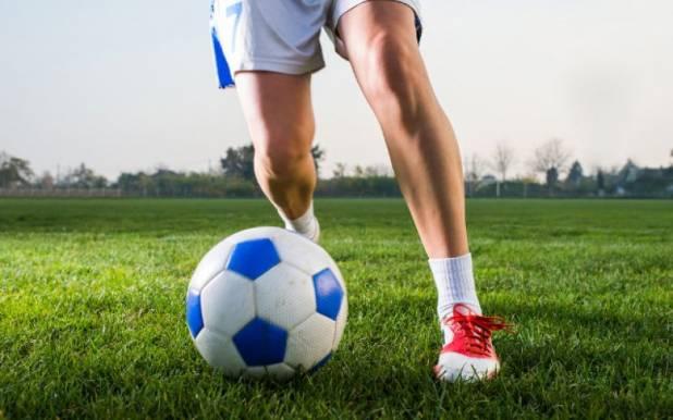 Calcio, ragazze vincono campionato maschile