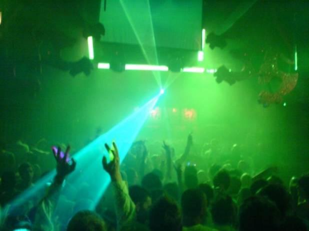Giovane italiano pestato a morte in discoteca