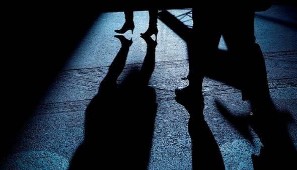 Scarcercato per stalking, richiama la vittima